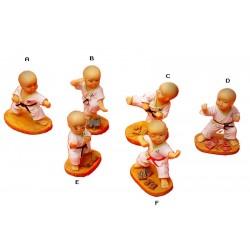 Caja de 6 figuras de karate.